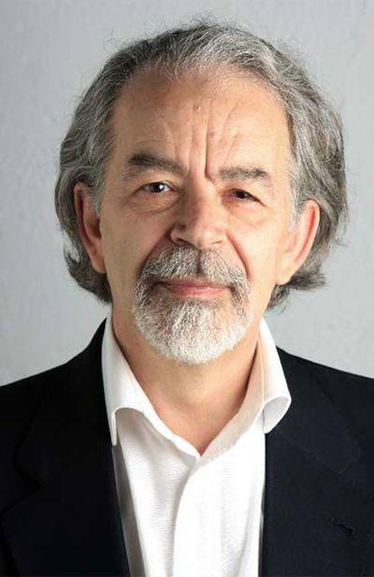 El periodista Lorenzo Romero, perteneciente al equipo fundacional de EL PAÍS.
