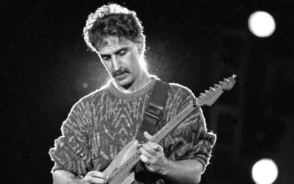 Frank Zappa, en un concierto en Madrid en 1988