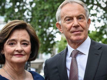 Tony Blair y su esposa Cherie Blair, en un servicio religioso en la abadía de Westminster, en Londres, en mayo de 2019.