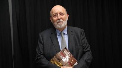 El presidente del CIS, José Félix Tezanos, durante la presentación de la revista 'Temas', en el Círculo de Bellas Artes de Madrid, el pasado 8 de octubre.