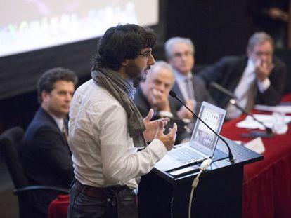 El fotógrafo Emilio Morenatti, durante su conferencia.