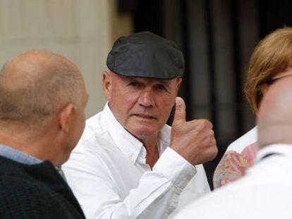 Brian Charrington, considerado uno de los barones del narcotráfico en Europa,en una cafetería próxima a la Audiencia de Alicante.