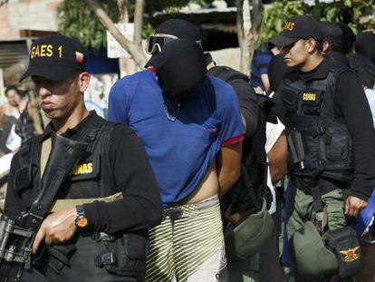 Expulsión de colombianos que vivían en Venezuela