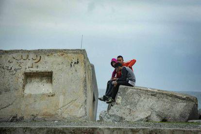 Menores migrantes que viven en las calles de Ceuta, en una imagen de 2018.