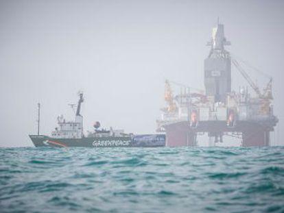 ONG ecologistas llevan a los tribunales al Gobierno escandinavo por permitir prospecciones petrolíferas en contra, dicen, de los acuerdos del Clima de París y de la Constitución del país