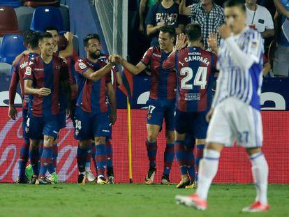 Celebración del primer gol del Levante.