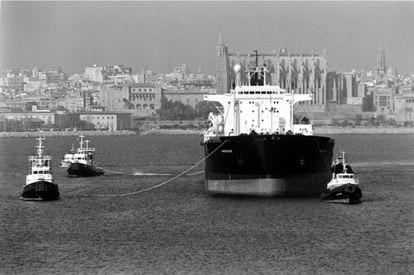 En 1995 se trajo a Mallorca agua del río Ebro, en barcos, con tanques repintados que degradaron el líquido.