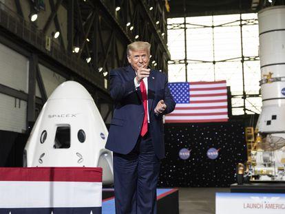 El presidente estadounidense, Donald Trump, en el Centro Espacial Kennedy.