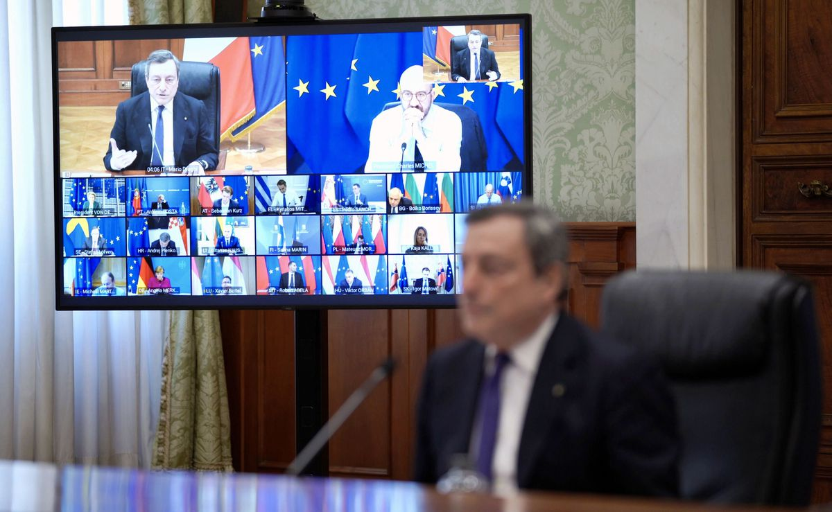 Draghi apuntala el eje franco-alemán ante las turbulencias políticas y sociales en la UE