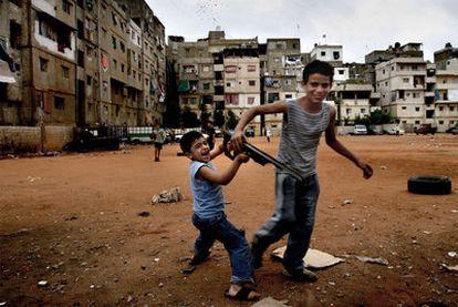 Fotografía de título <i>El Líbano entre mar y fuego</i>, tomada por Alfonso Moral en Líbano en 2007.