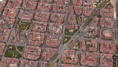 La plaza de la Hispanidad entre la Sagrada Familia y la Monumental