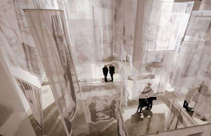 Una de las salas de la exposición 'Dopo' de Christian Boltanski, en Turín.