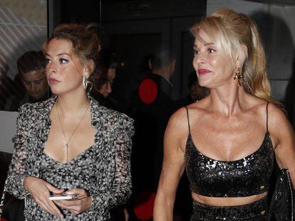 Belén Écija junto a su madre, Belén Rueda, en la entrega de premios de la Unión de Actores de Madrid.