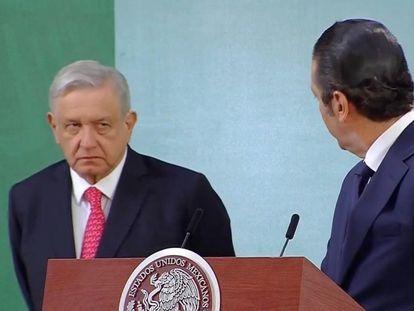 El gobernador de Querétaro, Francisco Domínguez junto a López Obrador en la conferencia de prensa de este miércoles