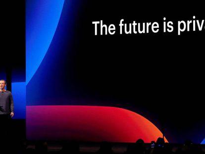 El fundador de Facebook, el estadounidense Mark Zuckerberg, durante conferencia anual de desarrolladores F8 en San José (California).