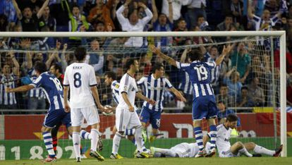 Los jugadores del Espanyol celebran el 1 a 0