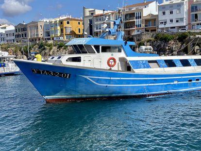 La barca 'Rosa Santa Primera', en Ciudadela (Menorca). J.C. CAPEL