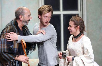 Ensayo de la obra de teatro 'Los hijos dormidos', dirigida por Daniel Veronese en el Matadero de Madrid.