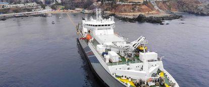 Cable submarino Grace Hopper que unirá EE UU, Reino Unido y España.