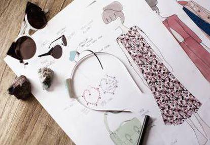 Bocetos y prototipos de prendas de & Other Stories.
