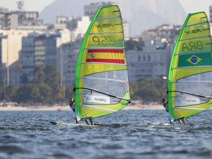 Marina Alabau, mano a mano con la brasileña Patricia Freitas en la RS:X.