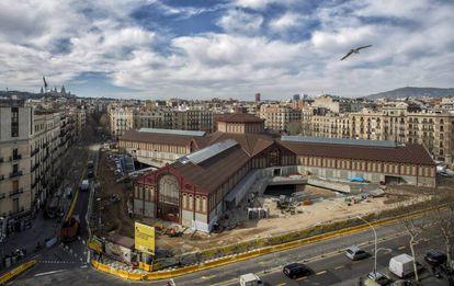 Vista aérea del Mercat de Sant Antoni, cuya inauguración está prevista para abril.