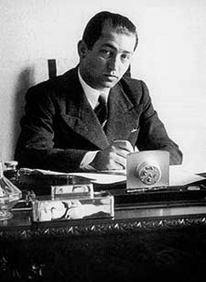 El novelista y dramaturgo rumano Mihail Sebastian (1907-1945).