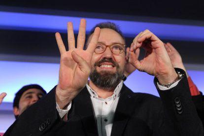 Juan Carlos Girauta marca con los dedos los 40 escaños de Ciudadanos.