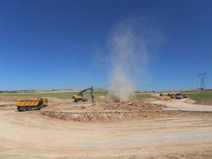 Trabajos previos, en 2015, en los alrededores del futuro almacén nuclear de Villar de Cañas (Cuenca).