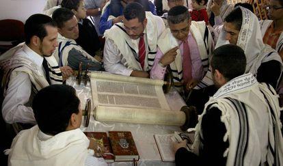 Judíos conversos descendientes de sefardíes en Bello (Colombia).