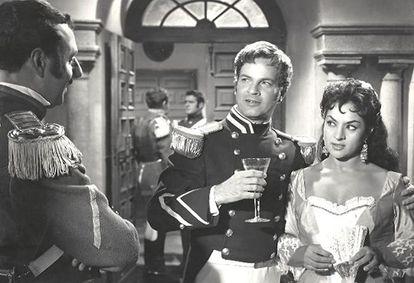 Rubén Rojo y Lola Flores en la película 'Venta de Vargas' (1959), de Enrique Cahen Salaberry.