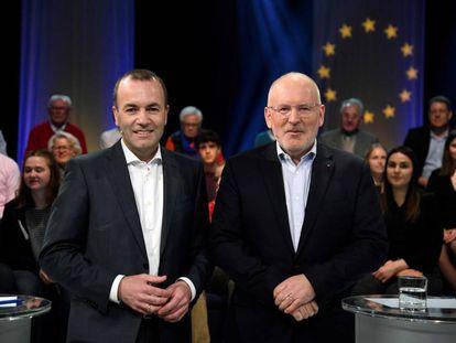 El candidato del PPE Manfred Weber, a la izquierda, y el candidato laborista Frans Timmermans, a la derecha, antes del debate televisivo matenido el pasado día 7 en el canal alemán Westdeutscher Rundfunk (WDR).