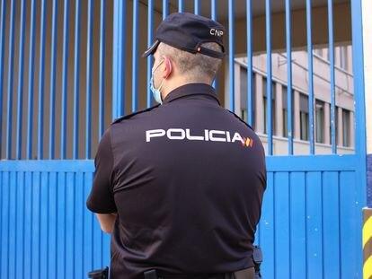 Agentes de la Policía Nacional detuvieron el pasado jueves a los tres hermanos acusados de homicidio.