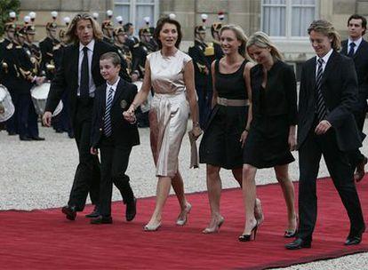 La familia, al completo, el día de la toma de posesión del presidente francés. Jean es el primero por la derecha.