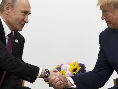 Donald Trump y Vladímir Putin, en una foto de archivo de 2019.