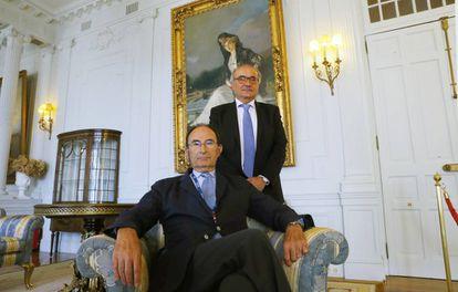 Emilio Lamo de Espinosa y Benigno Pendás, en la Universidad Menéndez Pelayo de Santander.