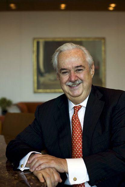 Lorenzo H. Zambrano Treviño.