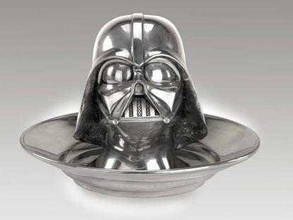 Escultura única del legendario villano de Star Wars: Darth Vader, realizada por el artista pop Clive Barker en 1999 y valorada entre 7.000 y 10.500 euros.