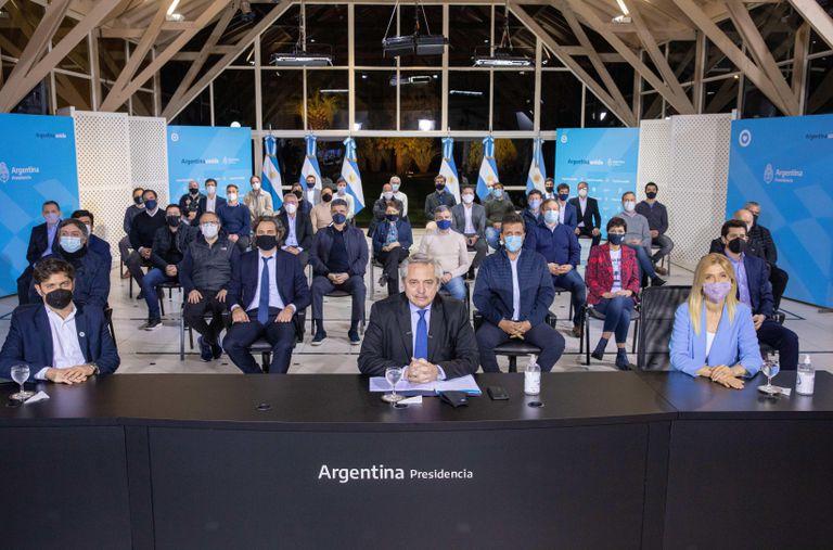 Argentina: Las medidas de Alberto Fernández para frenar la revuelta policial rompen el diálogo con la oposición moderada | Internacional | EL PAÍS
