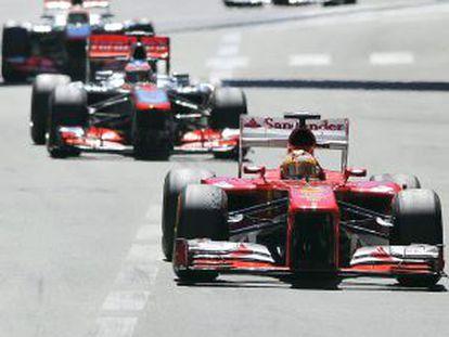 Alonso rueda en el circuito de Mónaco.