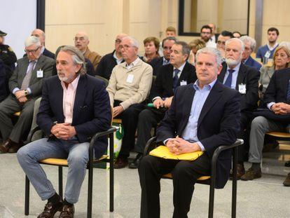Francisco Correa y Pablo Crespo, en primera fila, en el juicio a la trama Gürtel por la visita del Papa en 2006 a Valencia.