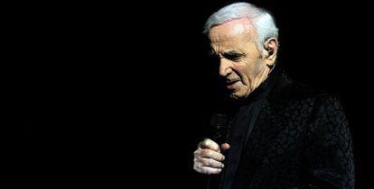 Aznavour actuando el 12 de mayo en Yerevan (Armenia).