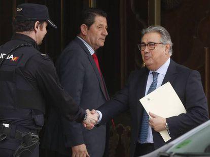 Juan Ignacio Zoido, a su llegada al Supremo. En vídeo, la declaracion del exministro.