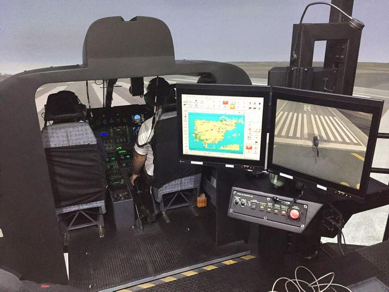 Simulador de helicóptero de Indra.