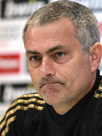 Mourinho, durante la rueda de prensa