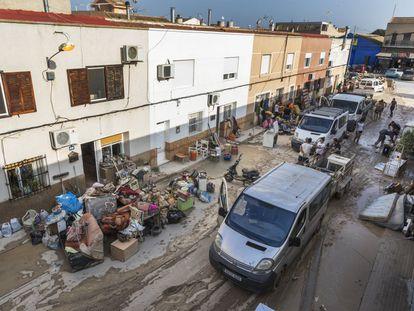 Vista general de una calle de la localidad de Orihuela (Alicante) en septiembre de 2019, tras cuatro días incomunicada.