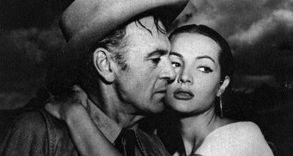 Gary Cooper y Sara Montiel en una imagen de la película 'Veracruz'