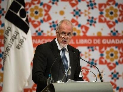 Raúl Padilla López, presidente de la FIL.