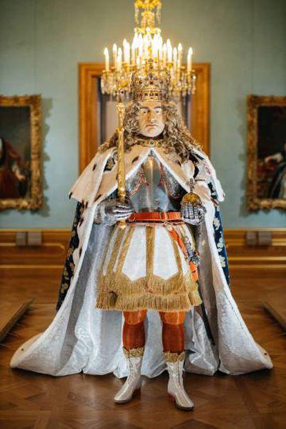 La figura de Augusto el Fuerte con alguna de las prendas originales de la época puede verse en el Royal State Apartment.