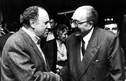 Méndez Ferrín saluda a Filgueira Valverde en una fotografía de 1992.